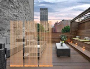 Holzterrasse mit Sichtschutz für Aussen und Innen mit Bambus Holz